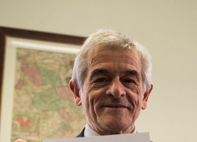 Sergio Chiamparino non si ritira e resta nel consiglio regionale del Piemonte.