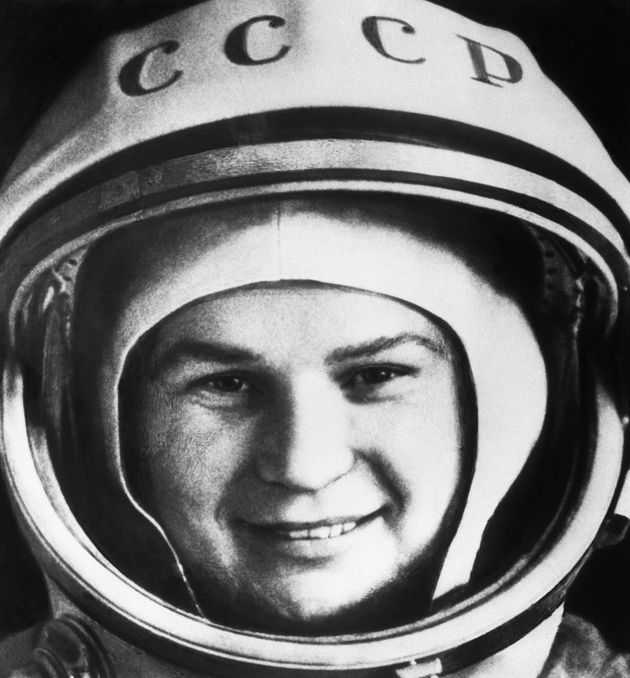 Dejó el colegio y se puso a trabajar en una fábrica: la historia de Valentina Tereshkova, primera mujer