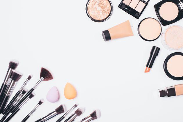 新興の化粧品メーカーが次々に登場。事業拡大の鍵を握る、「商品企画」の求人が狙い目?