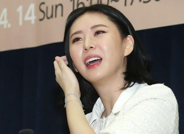 경찰이 '홍준표 명예훼손 혐의' 윤지오에 대한 수사에