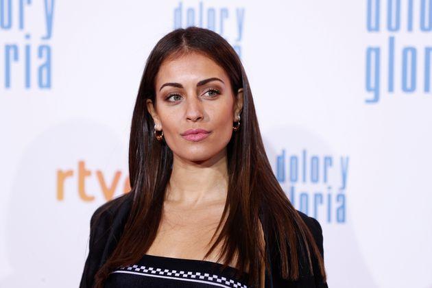 Hiba Abouk causa furor al publicar una foto suya sin maquillaje ni