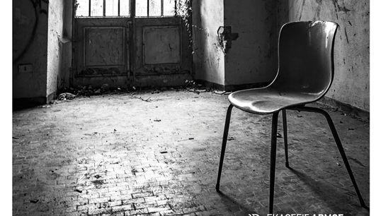 Θανάσης Λάμπρου: Φωτεινό Κέντρο, Από τα κατάλοιπα του Άγγελου