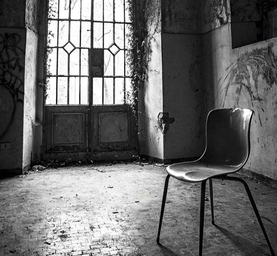 Θανάσης Λάμπρου: Φωτεινό Κέντρο. Από τα κατάλοιπα του Άγγελου