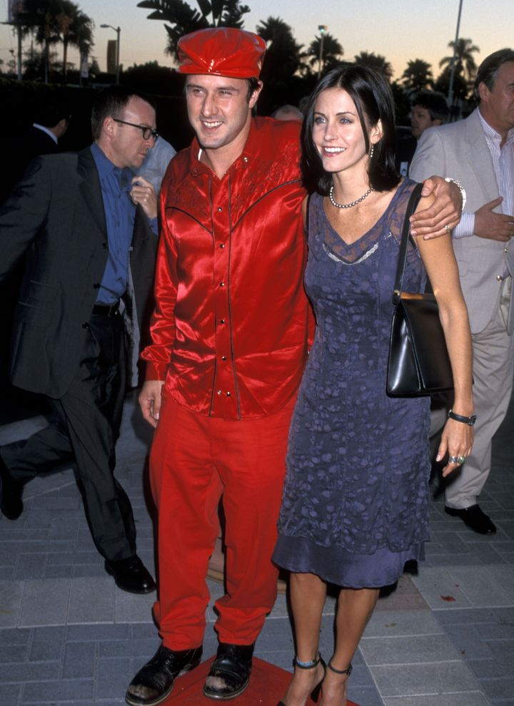 Actor David Arquette and actress Courteney Cox attend the 'Snake Eyes' Hollywood Premiere on July 30, 1998, at Paramount Stud
