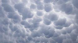 Il cielo di Trento si ricopre di nubi mammatus e dà