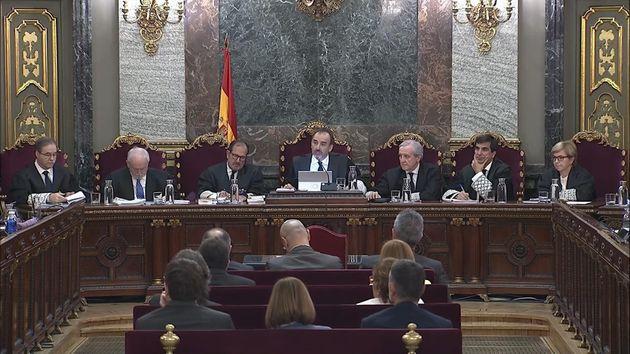 Defensas del procés acusan a la Fiscalía de forzar la rebelión
