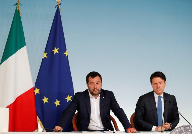 Italia aprueba multar a las ONG que participen en rescates en el