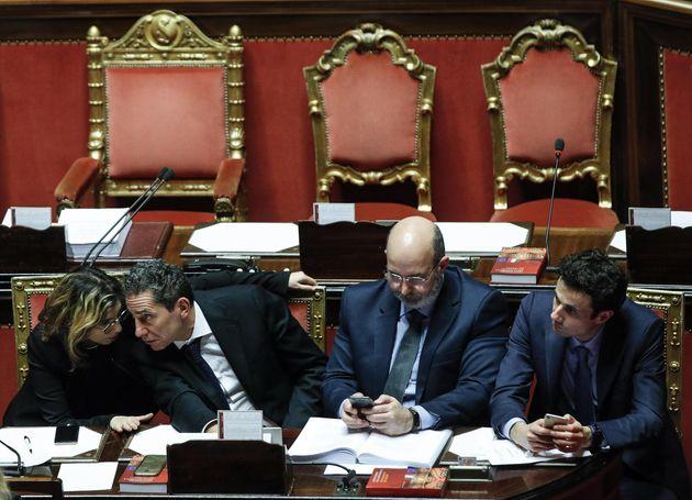 M5s, nel mirino i sottosegretari Crippa e Cioffi. Ma diversi parlamentari preparano documento contro...