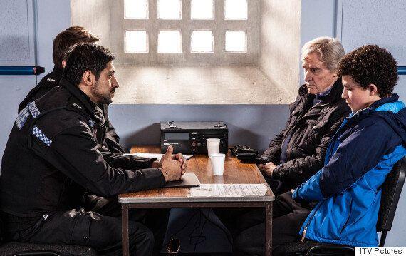 'Coronation Street' Spoiler: Leanne Tilsley To Report Abusive Stepson Simon Barlow To The