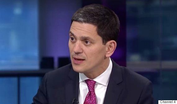 Channel 4 News: David Miliband Explains Why Claims Refugees Would 'Overwhelm' Us Are