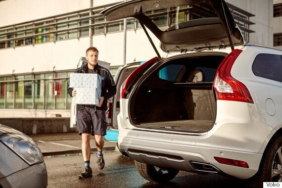 Volvo Takes On Black Friday 2015 With In-Car Delivery
