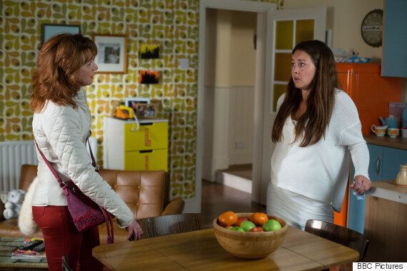 'EastEnders' Christmas Spoilers 2015: The Beales Vs. The Mitchells, Carter Family's Drama And Stacey's...