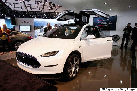 Apple Hires Senior Tesla Engineer For Secret Driverless Car