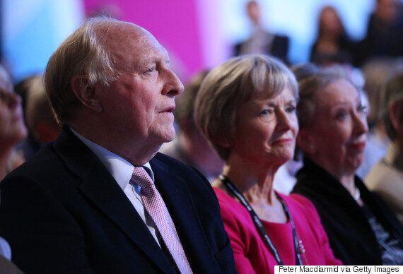 David Cameron Gets Labour Heavyweights' Backing On EU, Including Hilary