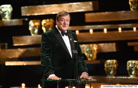 BAFTA 2016: Host Stephen Fry Tells Critics To 'F*** Off', Following 'Bag Lady' Joke About 'Dear Friend'...