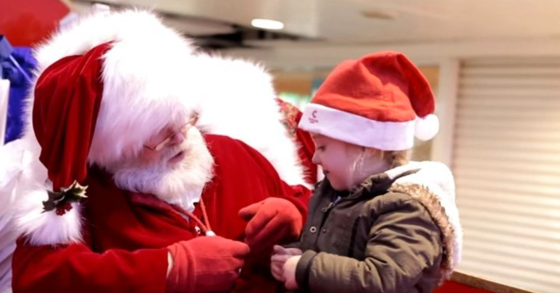 Santa Makes Little Girl S Christmas Wishes Come True Uses