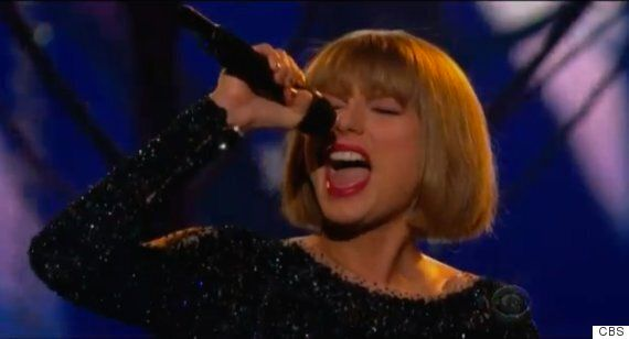 Grammy Awards 2016: Taylor Swift's 'Out Of The Woods' Performance Gets The Night Off To A Great