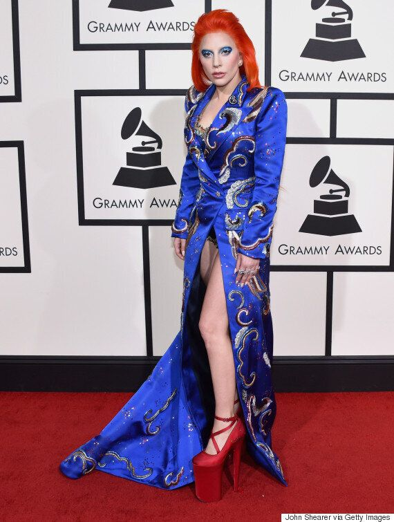 Grammy Awards 2016 Lady Gaga S Red Carpet Look Is A Tribute To David Bowie S Ziggy Stardust And It S Awesome Huffpost Uk