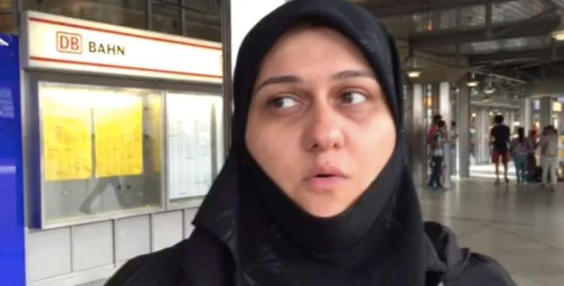 Migrants Arriving In Munich Receive Very Different Welcome To What Happened In