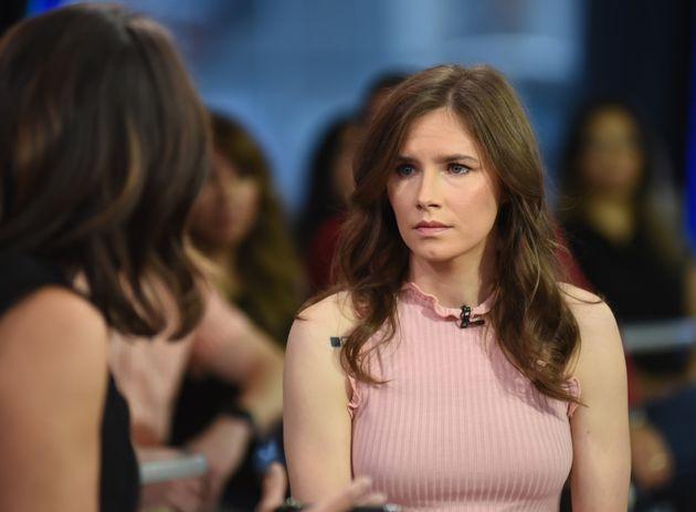 """""""Sto tornando in Italia come una donna libera"""". Lo scrive Amanda Knox sul suo profilo"""