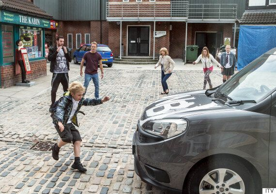 'Coronation Street' Spoiler: Gail Platt Shows Callum Logan Who's Boss, But Max Could Be In Danger