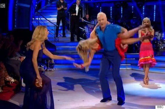 'Strictly Come Dancing' 2015: Ola Jordan Suffers Wardrobe Malfunction Thanks To Partner Iwan Thomas On...