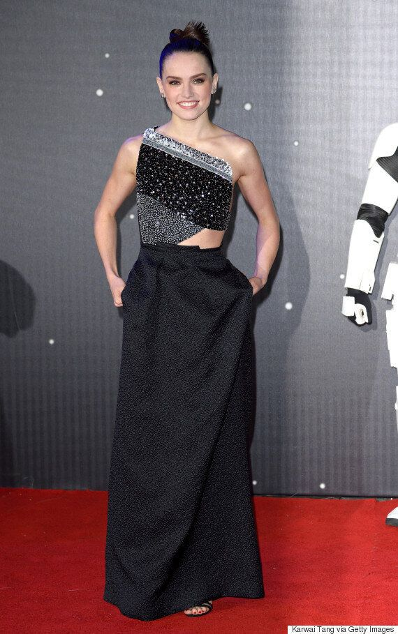 'Star Wars The Force Awakens' London Premiere: Lupita Nyong'o's Blue Lipstick And All The