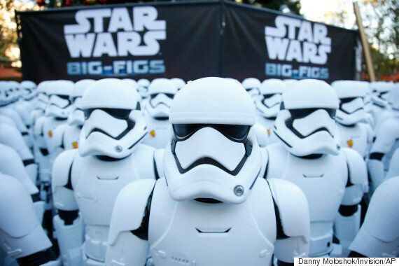 Daniel Craig Had A Cameo Playing A Stormtrooper In 'Star Wars: The Force Awakens', Which Is Why You Might...