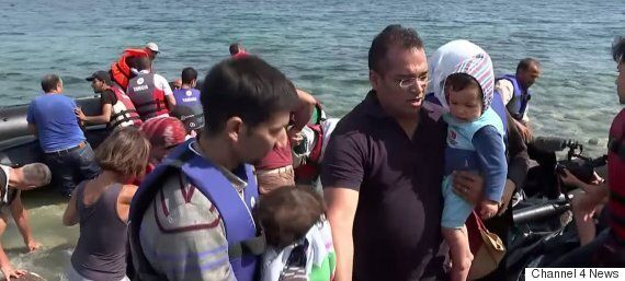 Channel 4 News' Krishnan Guru-Murthy Helps Refugees Come Ashore In Heartbreaking Video On