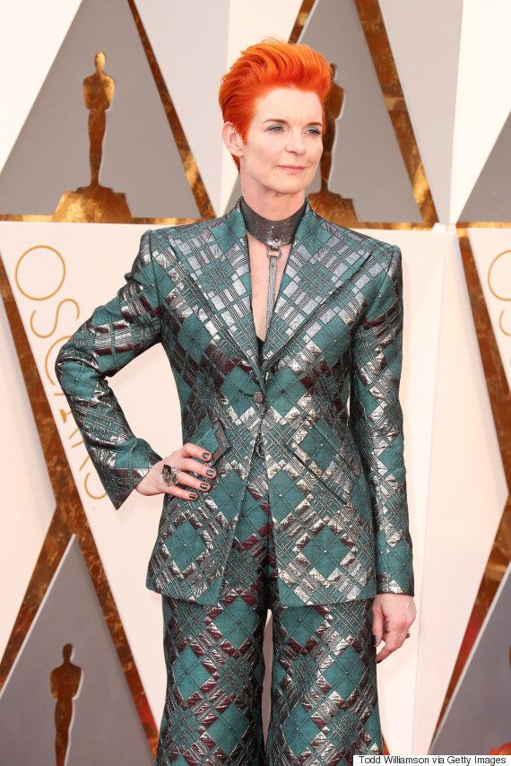 Oscars 2015: Tilda Swinton's Academy Awards Red Carpet Outfit Praised By Giuliana Rancic And Kris Jenner......