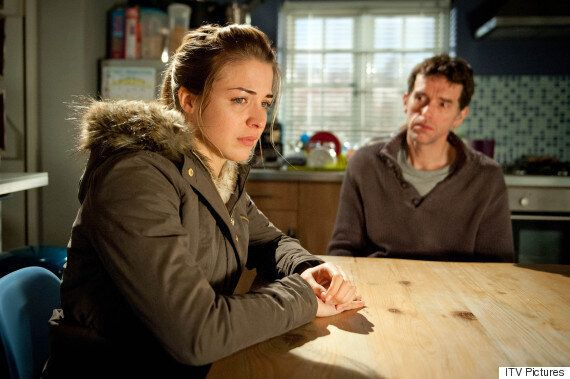 'Emmerdale' Spoiler: Carly Hope Makes An Unexpected Baby
