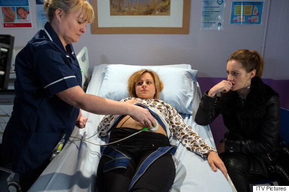 'Coronation Street' Spoiler: Sarah Platt Fears For Her Unborn Baby's Life After Health