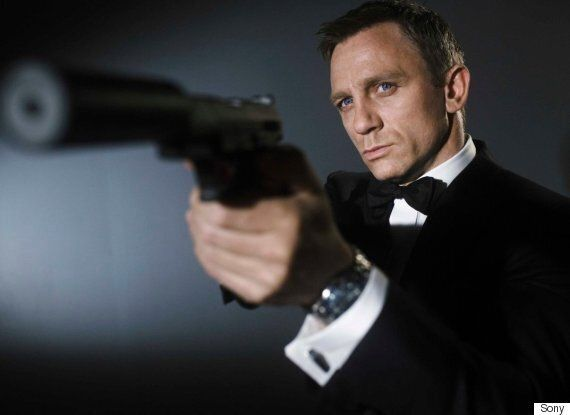 'James Bond' Producers 'Make Unusual Offer' To Keep Daniel Craig As