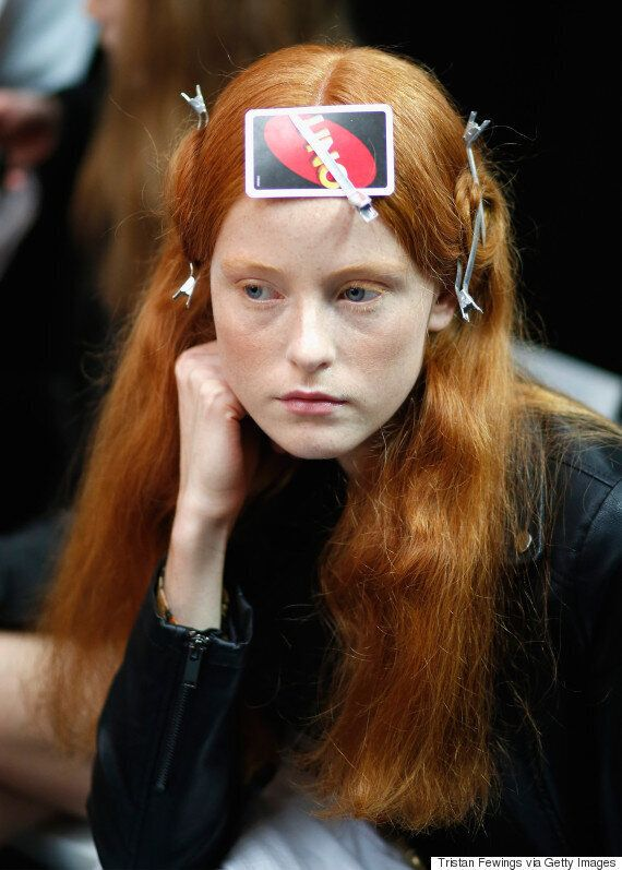London Fashion Week Backstage Beauty Hack: Playing Cards For Bump Free