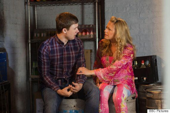 'EastEnders' Spoiler: Lee And Linda Carter Share Emotional Heart-To-Heart As Depression Storyline Continues
