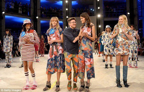 If This Is London Fashion Week's Most Tech Filled Season, Why Aren't Magazines Keeping