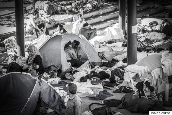 Kissing Refugee Couple: Hungarian Photographer Reveals Story Behind Touching