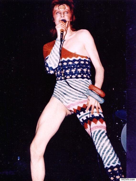 David Bowie Dead: Ziggy Stardust Plaque Becomes Gathering Place For Fans Left