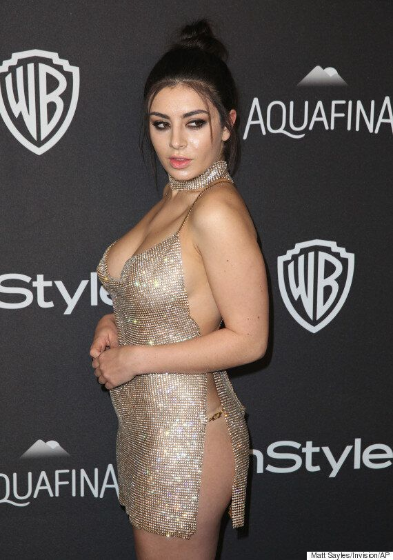 Golden Globes 2016: Charli XCX Leads The Way To The After Parties In Barely-There Chainmail
