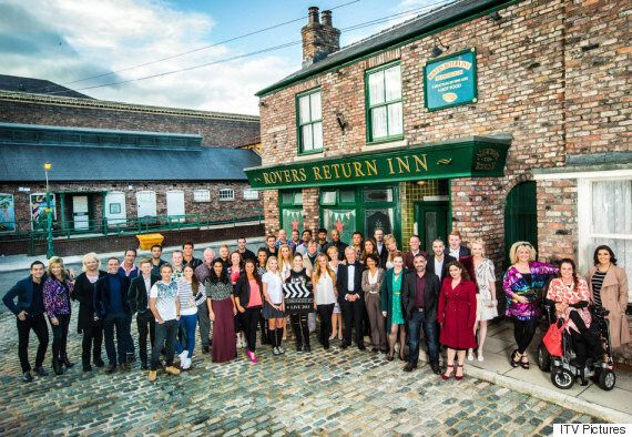 'Coronation Street' Live Episode Loses To 'Great British Bake Off' - And Fails To Beat 'EastEnders' Live