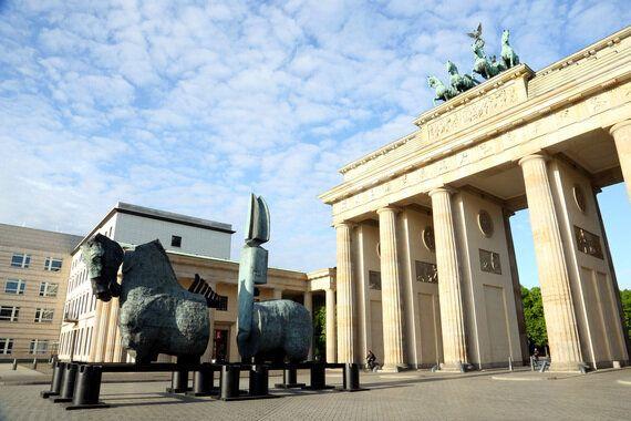 Across Borders: Gustavo Aceves Exhibits Monumental