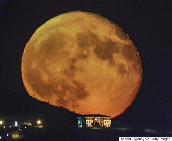 Supermoon Lunar Eclipse: How To See The Incredible Event In The