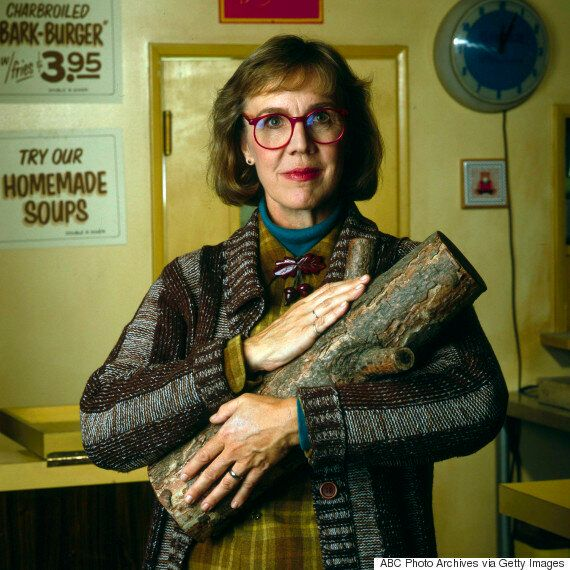 Catherine Coulson Dead: 'Twin Peaks' Log Lady Dies, Aged