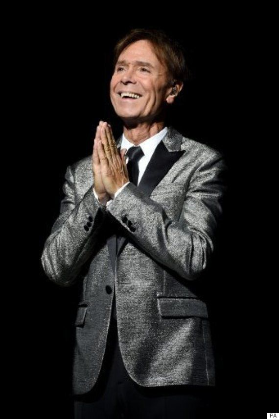 Cliff Richard Receives Standing Ovation From Devoted Fans BEFORE He Sings A