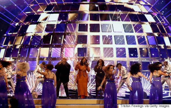 NTAs 2016: Gloria Gaynor Kicks Off Show With 'I Will Survive' Performance, And It Is Extremely