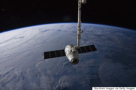 Watch Space X Test Fire Its Dragon 2 Spaceship For