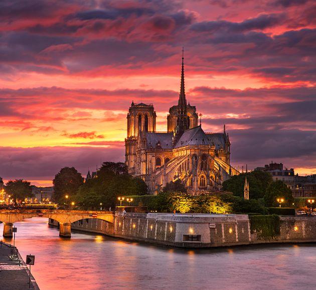 Γαλλία: Πρώτη λειτουργία το Σάββατο της Παναγίας των Παρισίων μετά την