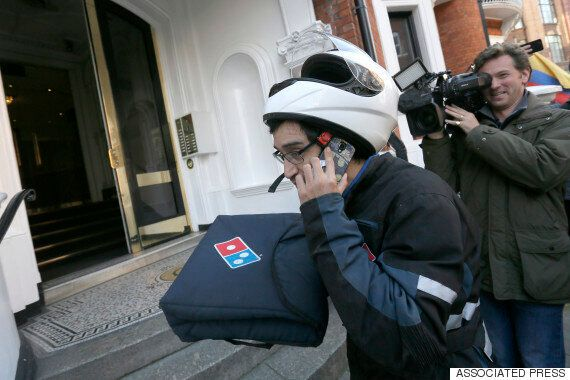 Wikileaks Insists Julian Assange Didn't Order A Pizza To Embassy In Surreal Twitter