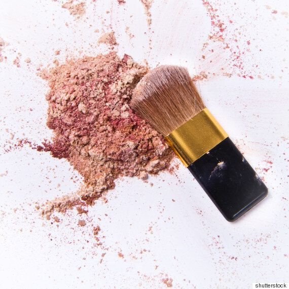 How To Fix Broken Powder Makeup With Alcohol In Four Simple