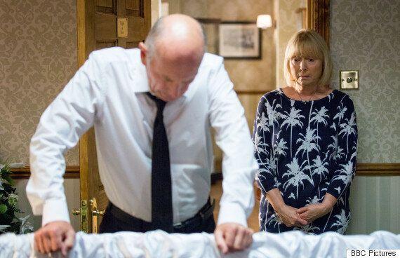 'EastEnders' Reveal Les Coker's Secret As He Makes 'I Am Christine'